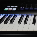 ����������-����������� Native Instruments Komplete Kontrol S-Series